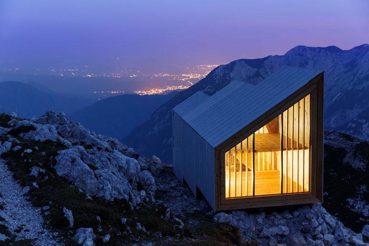 Alpine Shelter, OFIS Architects ve Harvard öğrencileri işbirliği ile, Skuta Dağı, 2015