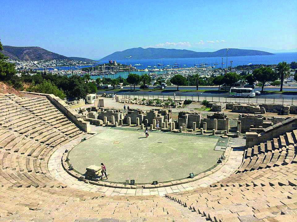 2400 yıllık Bodrum Antik Tiyatro 10 Bin Kişilik